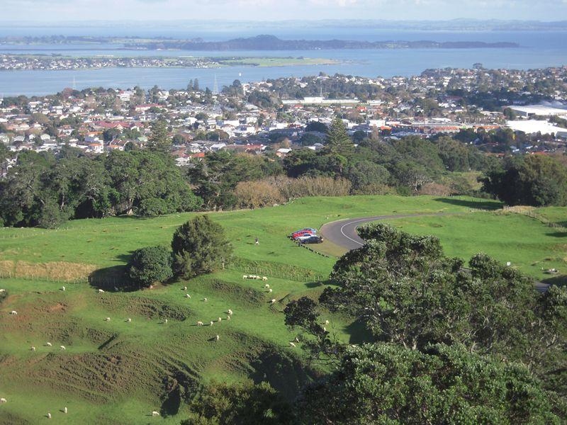 One-Tree-Hill - Mont-Eden