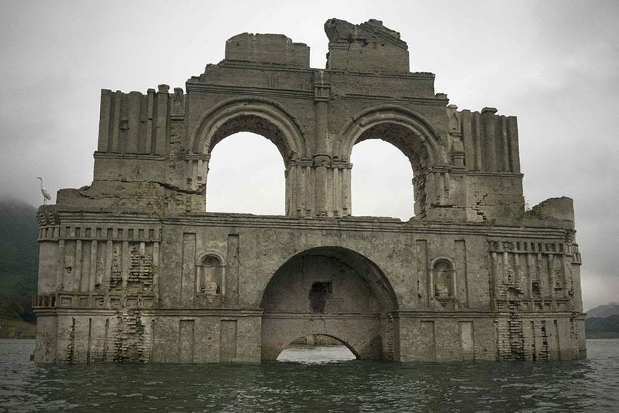 Eglise quechula Mexique
