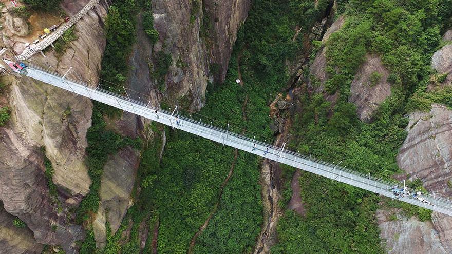 Plus long pont de verre du monde, Chine