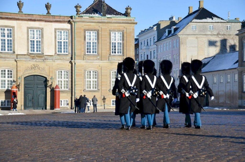 Releve de la garde amalienborg