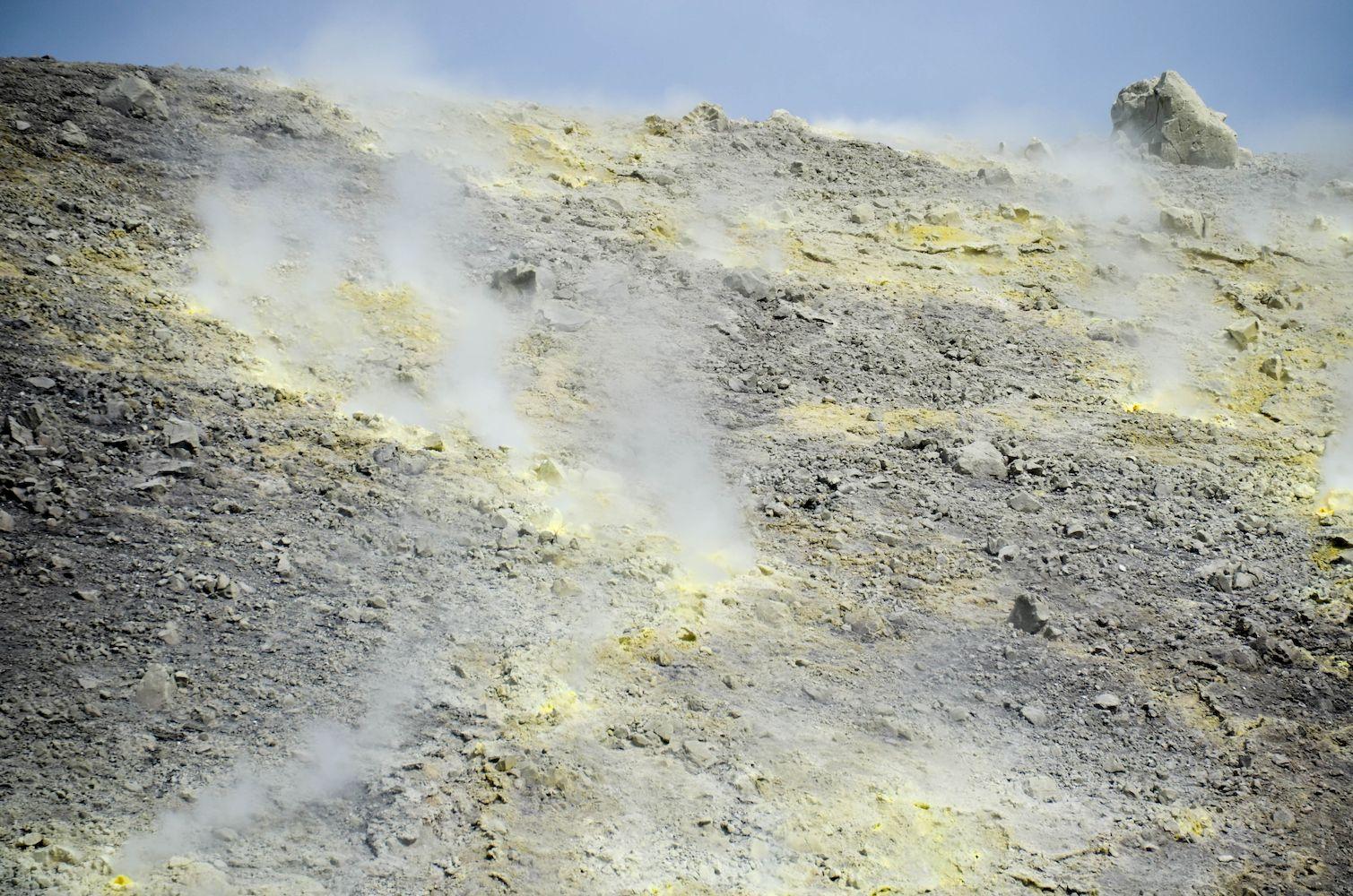 fumerole cratere vulcano