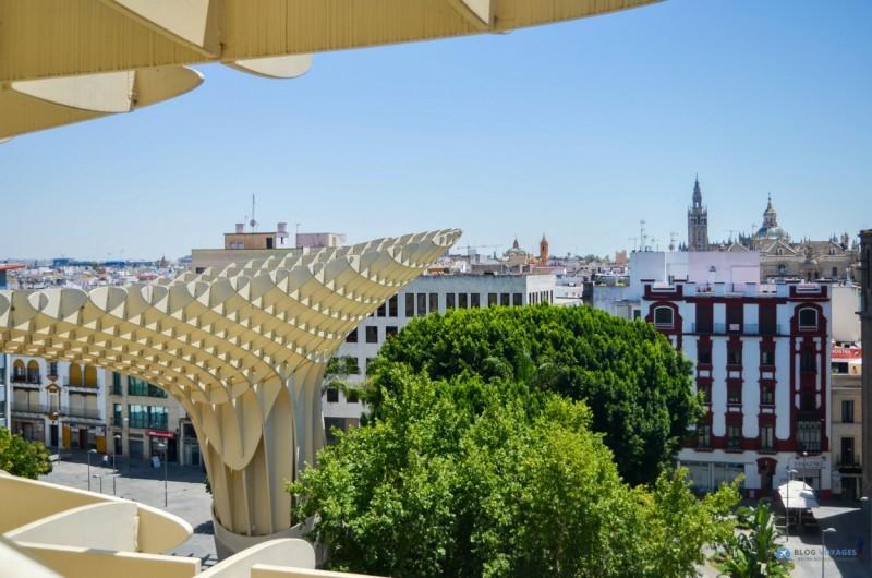 vue sur la cathédrale de Séville depuis le Metropol Parasol