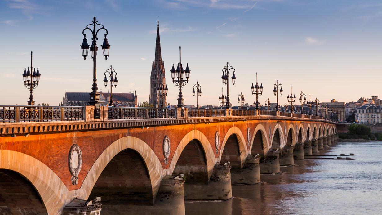 Vin, architecture, Bordeaux