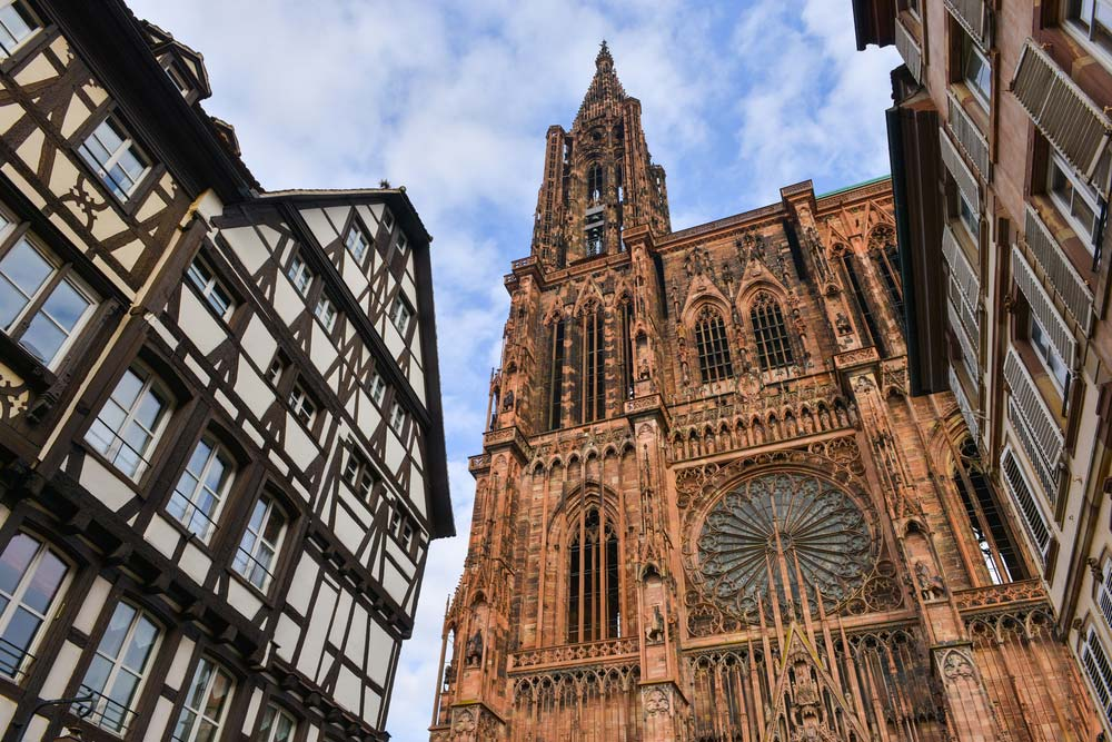 https://blogvoyages.fr/wp-content/uploads/2017/11/strasbourg-cathedrale.jpg