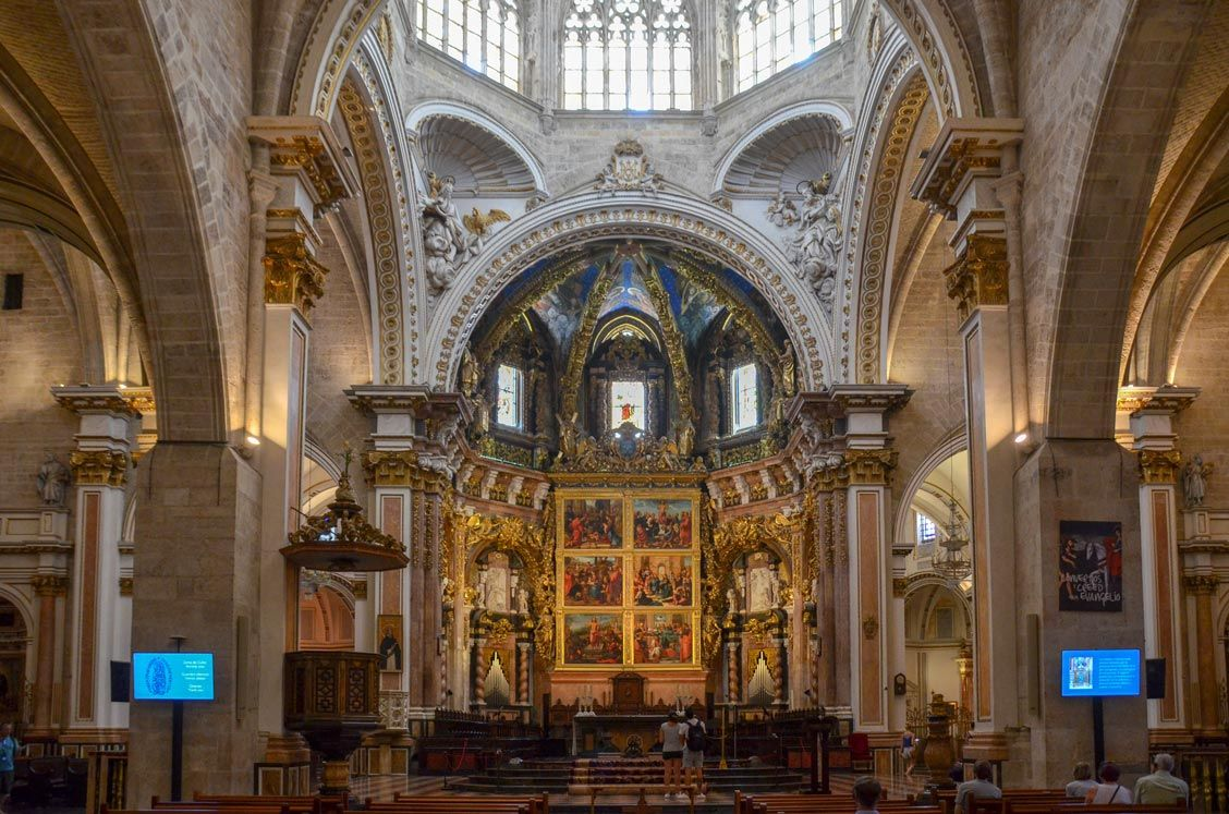 interieur-cathedrale-valence