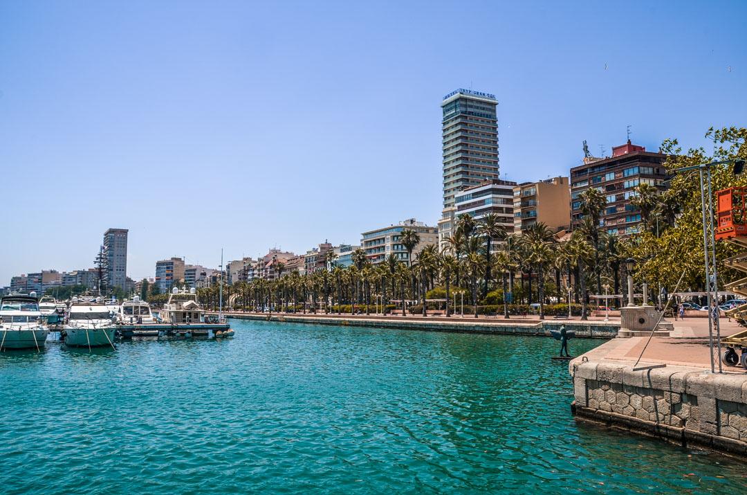 Alicante-port