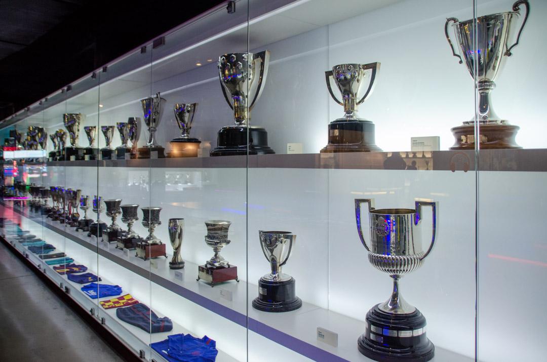 CampNou-Barcelone-coupes