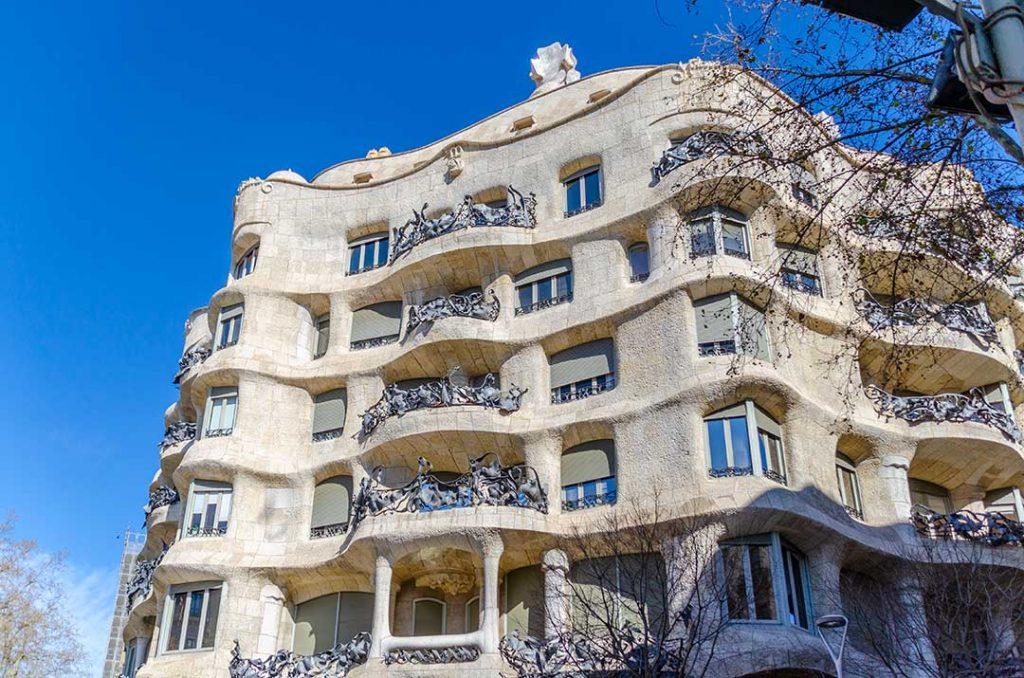 SagradaFamilia_Gaudi1