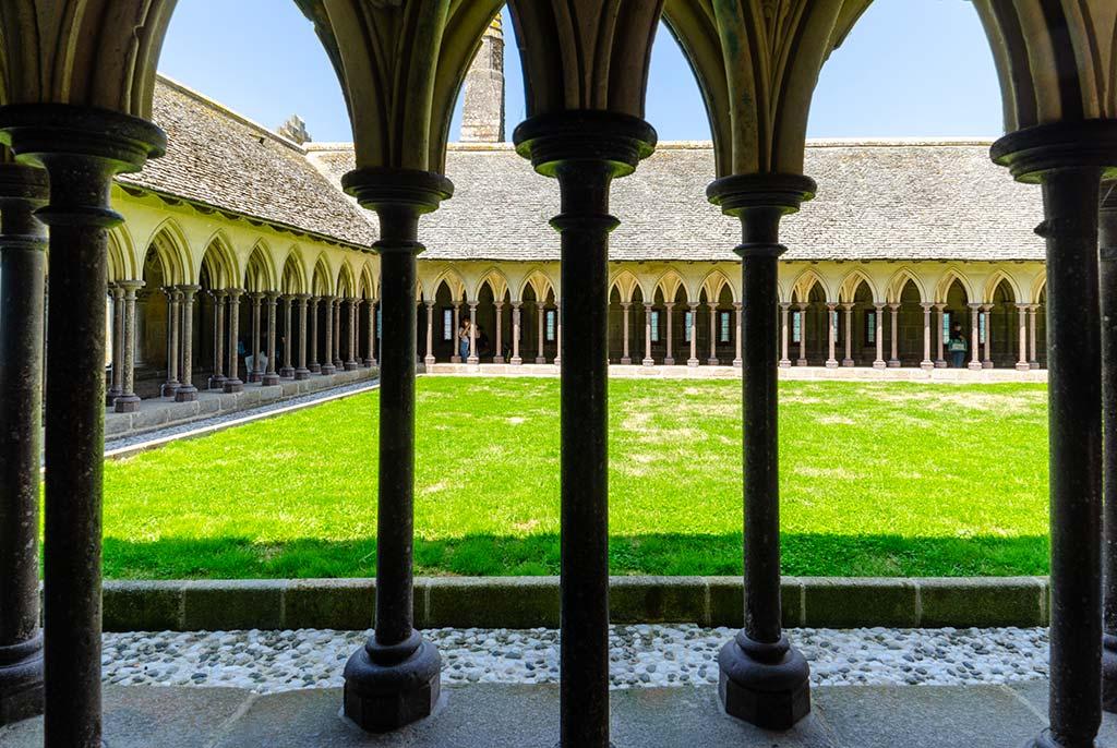 Visiter Mont Saint Michel - Cloître Abbaye