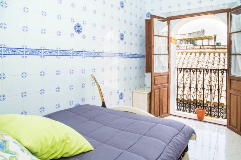 hostel-one-catedral-seville
