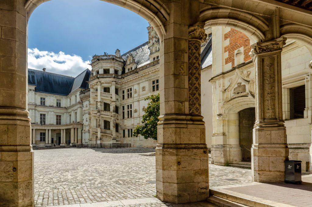 Blois-escalier-chateau